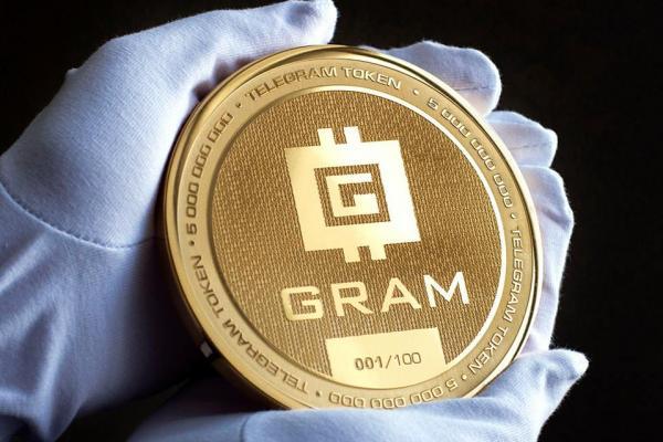 Покрытая золотом монета Gram появилась в России раньше криптомонеты Дурова