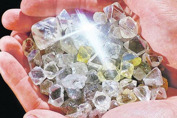 Алмазный гигант De Beers интегрирует блокчейн в процессы контроля за поставками алмазов