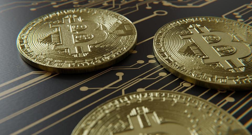 Курс биткоина поднялся на 10% за утро на фоне падения USDT