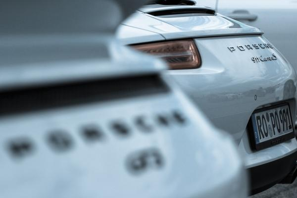 Porsche тестирует технологии блокчейн на автомобилях