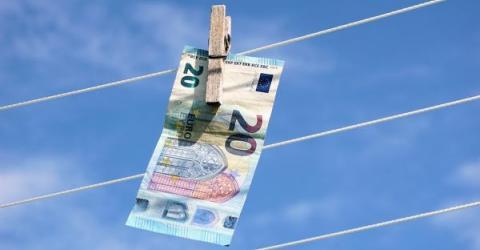 Европол подозревает почти 150 человек в организации отмывания денег наркодилеров