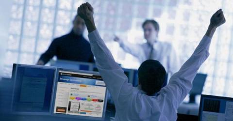 На бирже Coinbase всего за день стало больше на 100 тысяч пользователей